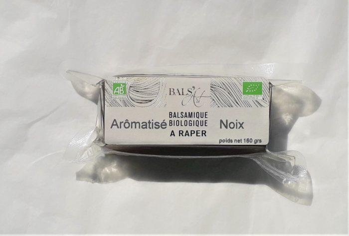 Balsamique à raper aromatisée à la noix
